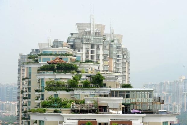Templo foi construído no topo de um prédio de 21 andares em Shenzhen (Foto: AFP)