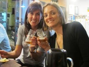 Suzana Jones (à direita) e a amiga Jana Pearl, que vieram dos EUA para o Brasil há três anos (Foto: Daniela Braun/G1)