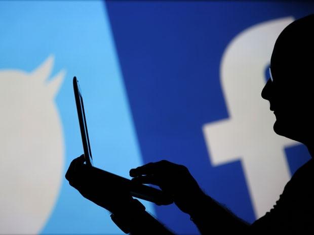 Redes sociais Facebook Twitter (Foto: Dado Ruvic/Reuters)