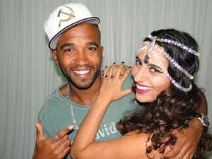 O rapper Flávio Renegado e a sambista Aline Calixto (Foto: Alex Araújo / G1)