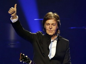 Paul McCartney durante show em Orlando, em 18 de maio de 2013 (Foto: AP Photo/John Raoux)