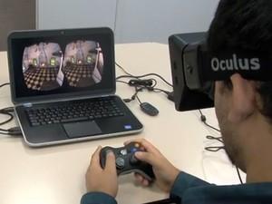 Algumas das demonstrações do Oculus Rift exigem o uso de um joystick (Foto: Reprodução/G1)
