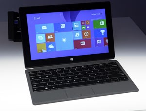 Surface 2 tenta concorrer com iPad (Foto: Timothy Clary/AFP)