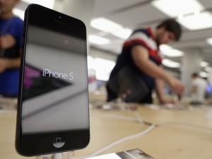 iPhone 5 anunciado pela Apple em setembro de 2012. (Foto: Reuters)
