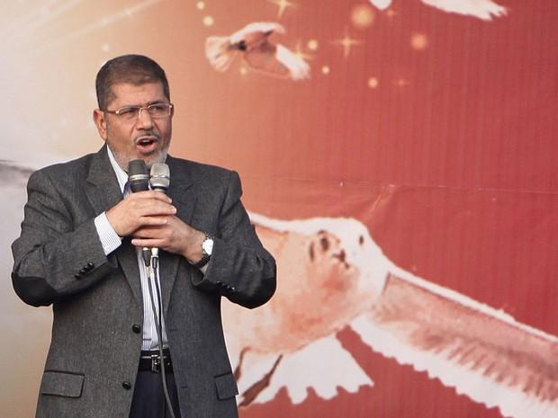 """23 de novembro - Morsi, em discurso, garantiu que o Egito está no caminho """"da liberdade e da democracia"""", apesar das acusações lançadas por opositores e das cobranças da União Europeia. (Foto: Asmaa Waguih/Reuters)"""