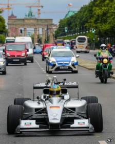 Carro de Fórmula E foi apresentado recentemente em Berlim (Foto: AP/BBC)