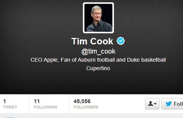Tim Cook, presidente executivo da Apple, entra para o Twitter no dia que começam as vendas dos novos iPhones (Foto: Reprodução/Twitter.com)