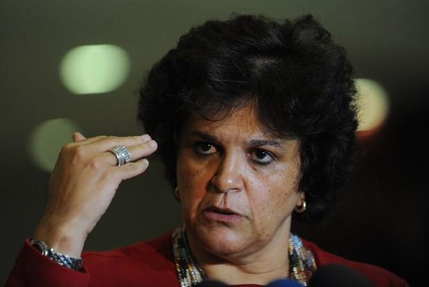 A ministra do Meio Ambiente, Izabella Teixeira, em entrevista para explicar vetos ao Código Florestal (Foto: Fabio Rodrigues Pozzebom/ABr)
