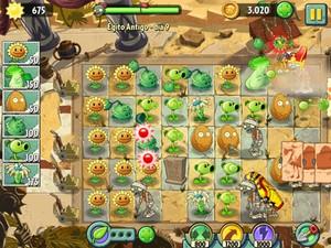 Novo 'Plants vs Zombies 2' na primeira fase, do antigo Egito. (Foto: Daniela Braun/G1)