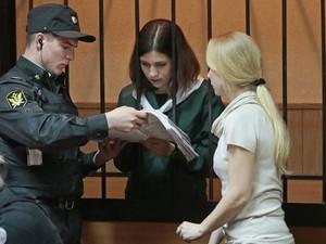 Tribunal de Zubova Polyan negou nesta sexta-feira (26) a libertação de Nadezhda Tolokonnikova (Foto: Mikhail Metzel/AP)