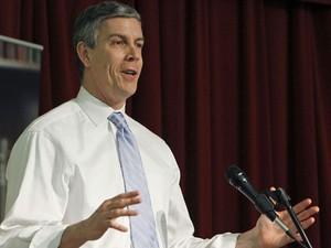Arne Duncan, secretário da Educação dos EUA (Foto: Ann Heisenfelt/AP)
