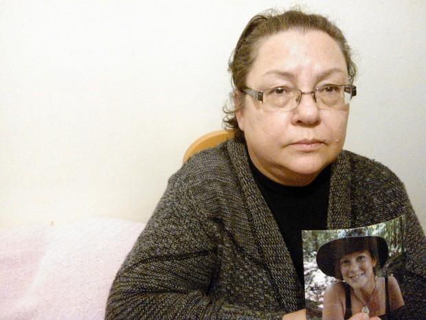 Mãe Ana Paula ativista do Greenpeace detida na Rússia (Foto: Ivani Schutz/RBS TV)