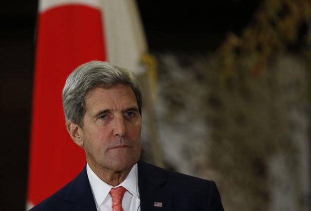 Kerry durante visita ao Japão nesta quinta-feira (3) (Foto: Issei Kato/AFP)