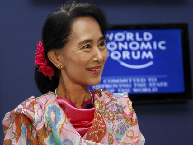 """""""Se afirmasse que não quero ser presidente, não seria honesta"""", disse Aung San Suu Kyi durante Fórum Econômico asiático (Foto: AP)"""