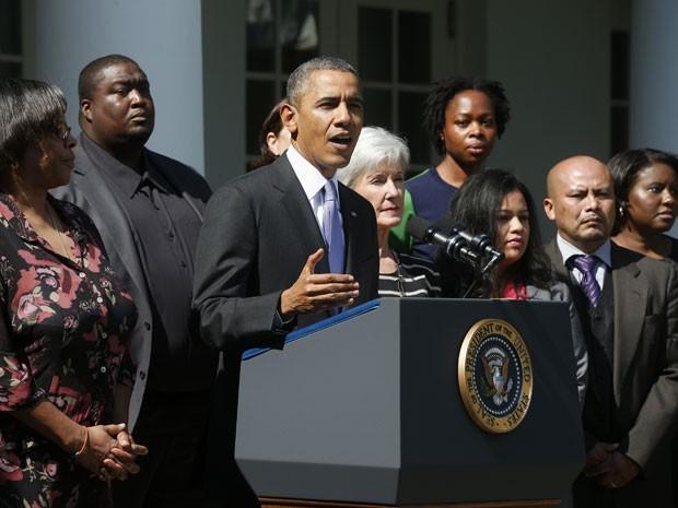 Obama fez pronunciamento em frente à Casa Branca (Foto: AP)