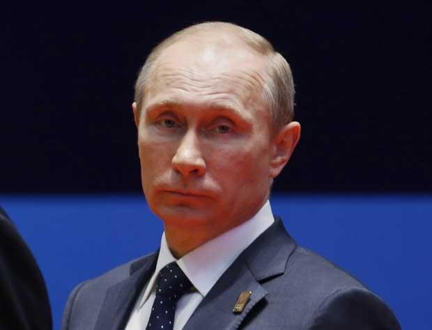 Presidente da Rússia, Vladimir Putin, participa na Indonésia da APEC (Foto: Beawiharta/ AFP)