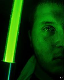 Sabre de luz (Foto: AP/BBC)