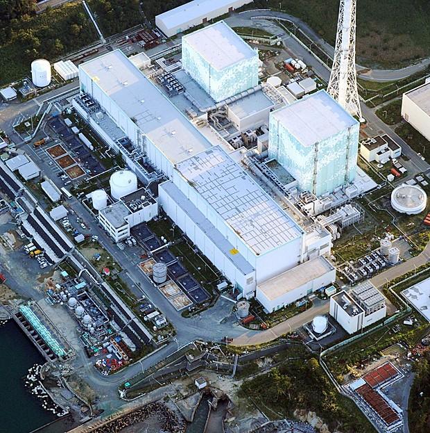 Imagem de 18 de julho de 2007 mostra usina nuclear de Kashiwazaki Kariwa (Foto: Koji Sasahara/AP)