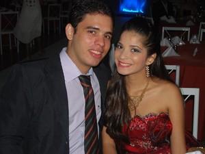 O Palmense Luiz Carvalho criou o aplicativo para enviar mensagens à namorada Cinthya Mariah (Foto: Cinthya Mariah Barreto/Arquivo Pessoal)
