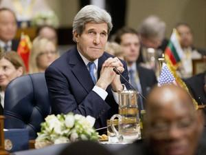 O secretário de Estado dos EUA, John Kerry, durante conferência de doadores para a Síria nesta quarta-feira (15) no Kuwait (Foto: Pablo Martinez Monsivais/AFP)