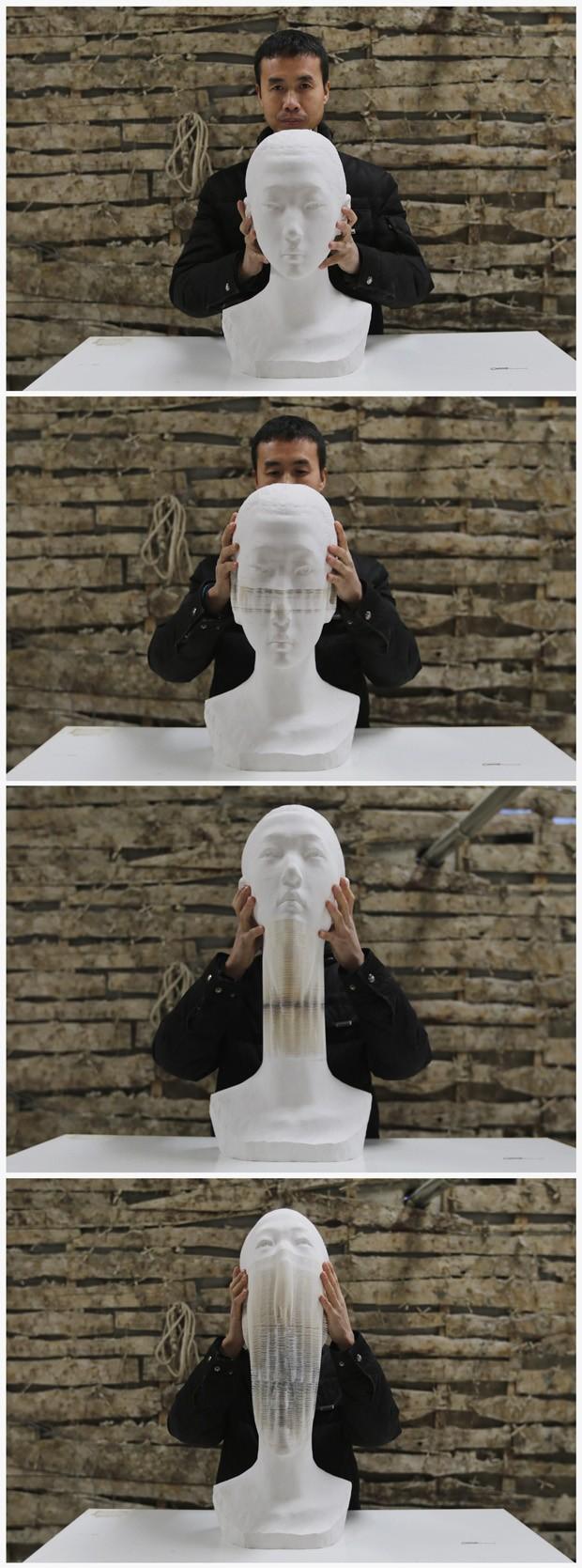 Sequência mostra Li Hongbo 'folheando' uma de suas esculturas em seu estúdio em Pequim, na China (Foto: Jason Lee/Reuters)