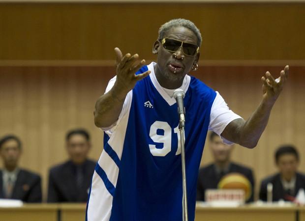 Dennis Rodman participa de partida de basquete em homenagem ao aniversário do líder da Coreia do Norte (Foto: Kim Kwang Hyon/AP)