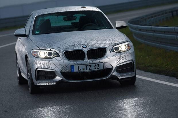 O protótipo da BMW, feito a partir da série 2 Coupé e do Série 6 Gran Coupé, é um veículo autônomo, que faz até 'drift'. (Foto: Divulgação/BMW)