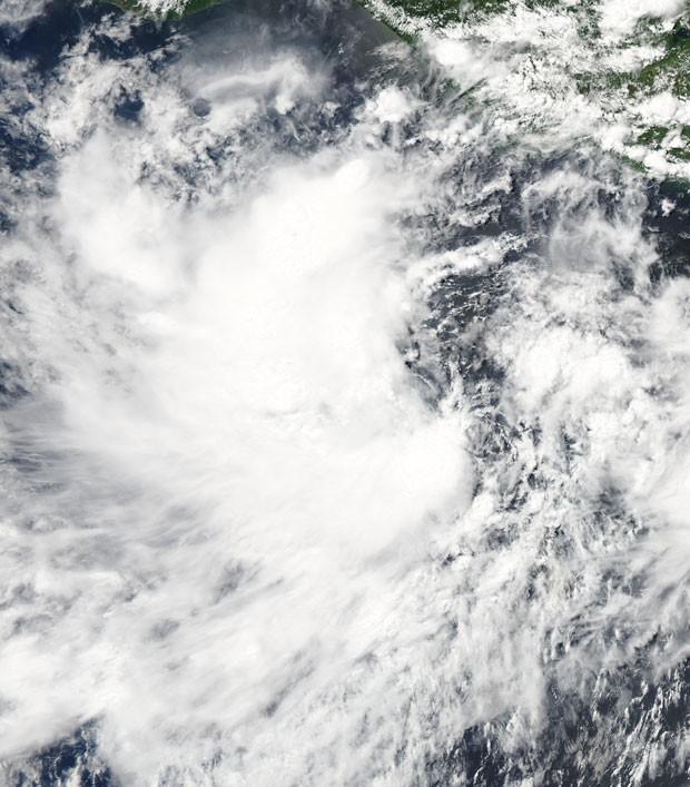 Tempestade tropical Darby é a quarta 'batizada' da temporada 2010 de ciclones no Pacífico (Foto: MODIS Rapid Response Team / NASA GSFC)
