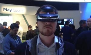 Óculos que apresenta uma tela de 700 polegadas tem visual futurista (Foto: Gustavo Petró/G1)