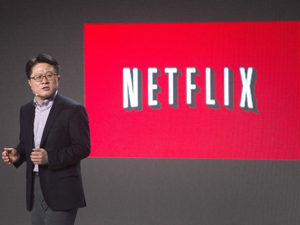 Skott Ahn, presidente e diretor de tecnologia da LG, fala sobre a parceria de sua empresa com o Netflix durante a CES 2014 (Foto: Steve Marcus/Reuters)