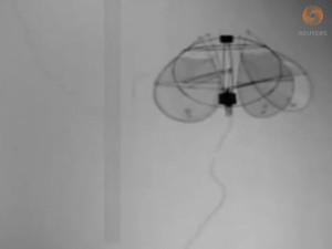 Minidrone imita movimentos das águas-vivas (Foto: Reprodução/YouTube/Reuters)