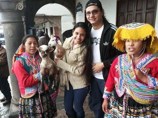 Suzana Saraiva conhece um pouco da cultura do país (Foto: Arquivo pessoal)