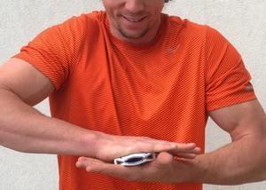 Acessório WellShell permite fazer exercícios ao pressionar aparelho (Foto: Divulgação/Tao Wellness)