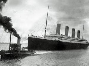 Foto liberada no dia 4 de abril mostra a saída do navio Titanic, em 10 de abril de 1912 (Foto: AFP/Southampton City Council)