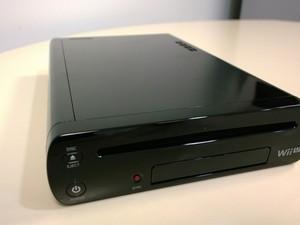 Wii U na cor preta com 32 GB para armazenar games é o modelo do console vendido no Brasil (Foto: Bruno Araujo/G1)