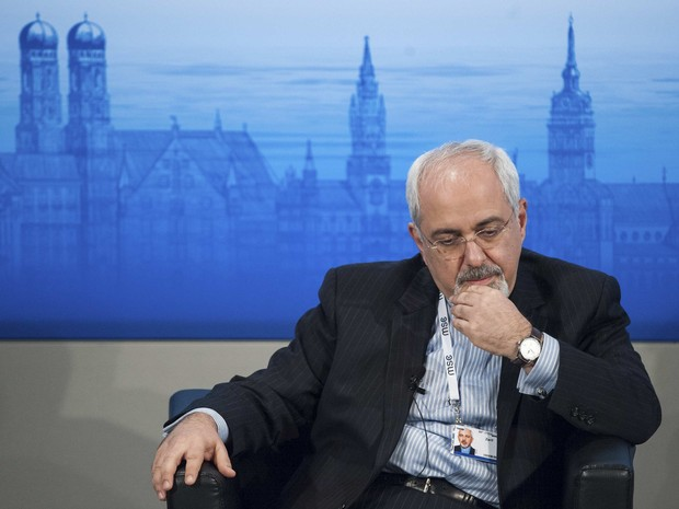 Ministro das Relações Exteriores do Irã, Mohammad Javad Zarif, em Conferência Anual de Segurança, em Munique (Foto: Lukas Barth/Reuters)