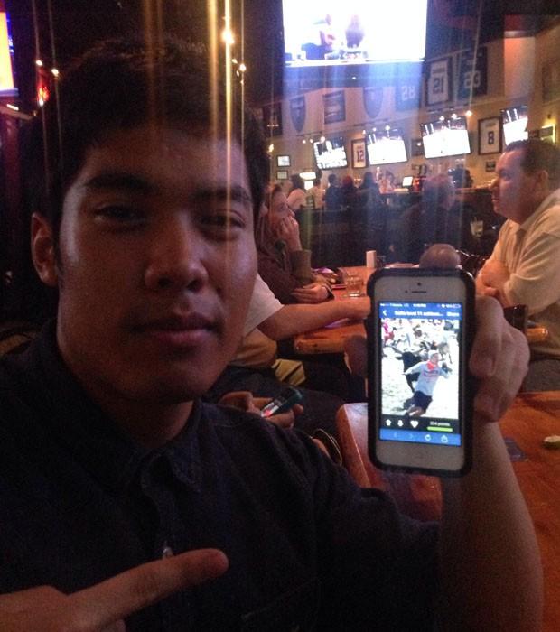 Usuário foi flagrado vendo sua própria selfie perigosa (Foto: Reprodução/Imgur/westtexashell)