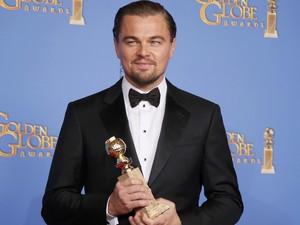 Leonardo DiCaprio vence o prêmio de melhor ator de comédia ou musical por 'O lobo de Wall Street' no 71º Globo de Ouro, que acontece neste domingo (12), em Los Angeles. (Foto: REUTERS/Lucy Nicholson)