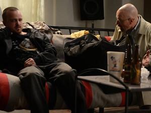"""Bryan Cranston e Aaron Paul em cena da quinta temporada de """"Breaking Bad"""" (Foto: Divulgação)"""
