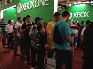 Na BGS, fila para jogar games da nova geração leva até 3 horas (Foto: G1)