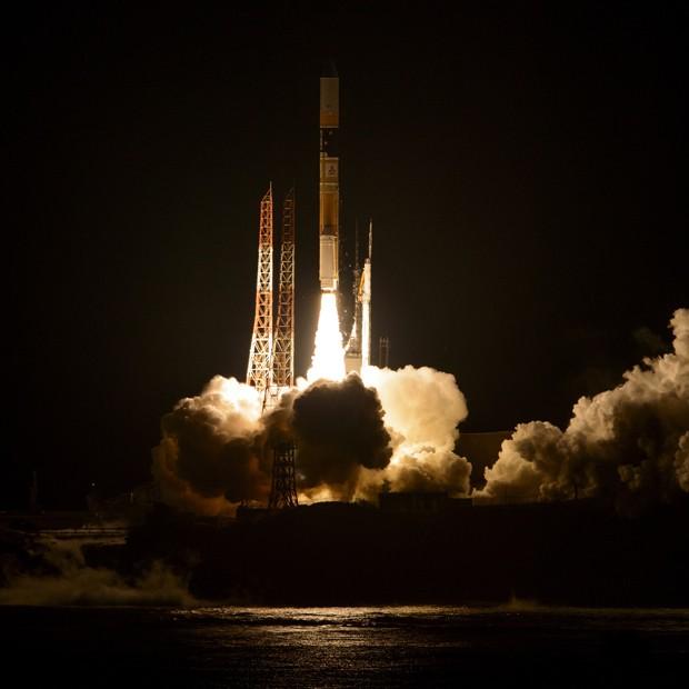 Foto da Nasa mostra foguete japonês H2A sendo lançado com o GPM a bordo (Foto: AFP Photo/Nasa/Bill Ingalls)