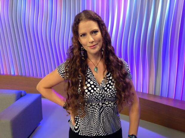 Ana Paula Maciel garante estar ansiosa com a repercussão da foto, que sairá na edição desta terça-feira da Playboy (Foto: Luiza Carneiro/G1)