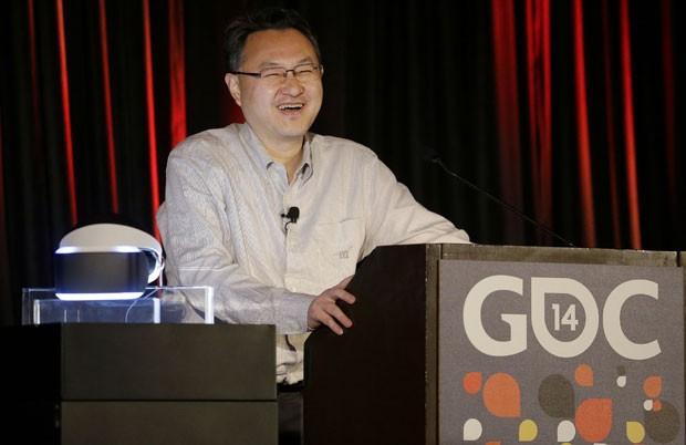 Yoshida apresenta o Project Morpheus (Foto: Jeff Chiu/AFP)