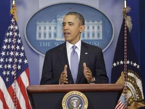 O presidente dos Estados Unidos, Barack Obama, faz pronunciamento na Casa Branca sobre a crise na Crimeia nesta segunda-feira (17) (Foto: Pablo Martinez Monsivais/AP)
