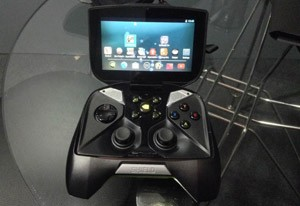 Controle Shield pode ser testado pelos visitantes da Brasil Game Show 2013 (Foto: Gustavo Petró/G1)