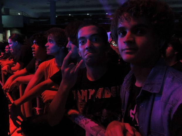 Fãs aprovam show da banda Dune Hill, no Abril pro Rock (Foto: Katherine Coutinho / G1)