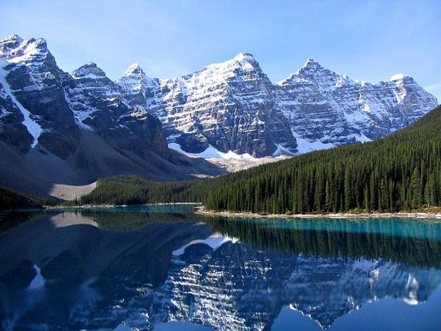 Região das Rochosas canadenses, importante cordilheira que fica entre os Estados Unidos e o Canadá. Áreas desse parque podem receber sinal de internet sem fio (Foto: Gorgo/Wikimedia Commons)