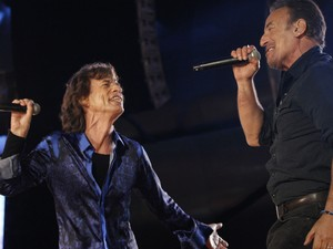 29/05 - Bruce Springsteen canta ao lado de Mick Jagger no show dos Rolling Stones no Rock in Rio Lisboa (Foto: Divulgação/Rock in Rio Lisboa)
