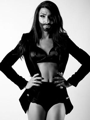 Conchita Wrust, cantor travesti de nome real Tom Neuwirth (Foto: Divulgação / Paz Stammler)