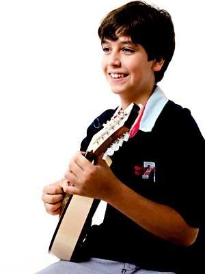 O bandolinista Ian Coury, de 12 anos (Foto: Magneto Elenco/Divulgação)